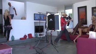 تصوير فيلم سكس أجنبي روعة و أسود يركب كس بيضاء ثلجية انبوب عربي بري