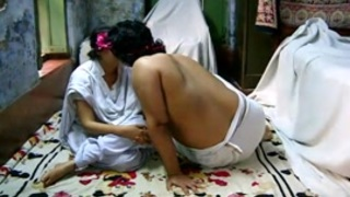 قصص نسوانجي فتاة يمنيه انبوب عربي بري